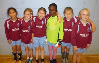 Y5-6 Girl's Football Comp 29.09.16.JPG